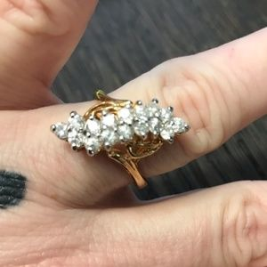 50% off Bundles Pretty Ring MARKED 18KT HGE